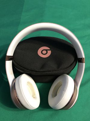 Beats Solo 3 Wireless Bluetooth Headphones for Sale in Pinellas Park, FL