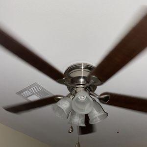 Ceiling Fan With 4 Lights for Sale in Las Vegas, NV