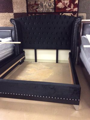 New Black Velvet King Platform Bed for Sale in Charlotte, NC