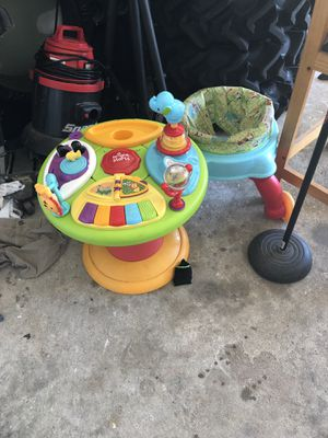 Baby walk around toy for Sale in Houston, TX