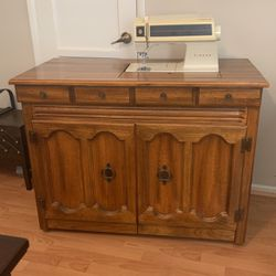 Singer Cabinet With Singer Touch Tropic 2001 Sewing Machine for Sale in Redondo Beach,  CA