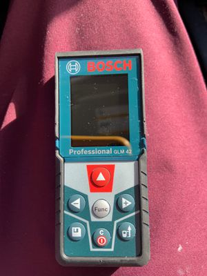 Bosch Professional Laser Distance Reader 135ft. for Sale in Mount Washington, KY