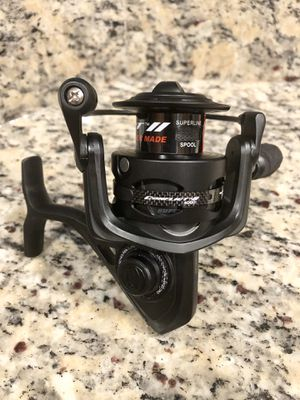 Brand New Penn Conflict II 4000 Fishing Reel 2 for Sale in New Port Richey, FL