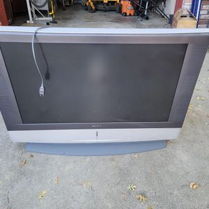 Sony Flat Screen TV Model #KF-42WE610 for Sale in Pleasanton, CA