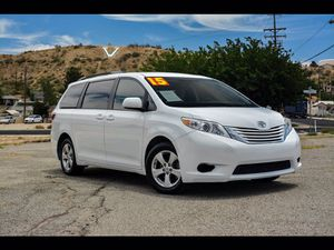 2015 Toyota Sienna for Sale in Victorville, CA