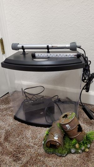 3.5 Gallon fish tank with light, heater, accessories. for Sale in Woodinville, WA