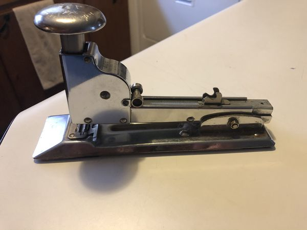 1938 Ace Fastener Corp. Pilot Model No 404 Patent # 2112941 Chrome Desk Top Stapler Made in USA Chicago IL