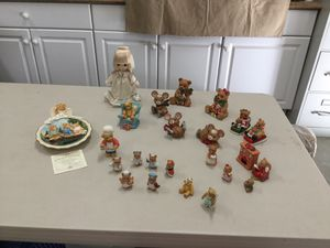 Large collection of bears, mice, and other Christmas figurines - 24 pieces! for Sale in Altadena, CA
