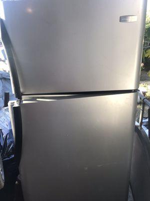 Nice fridge for Sale in Fresno, CA