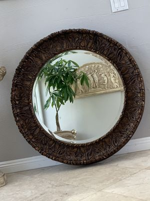 """41"""" gorgeous round mirror . This mirror has lots of details and can brighten up any room in your house for Sale in Laguna Niguel, CA"""