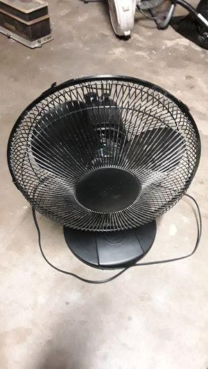 3 speed oscillating fan for Sale in Arlington, TX