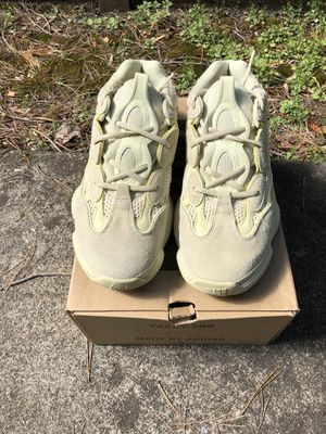 """Size 10 vnds yeezy 500 """" yellow moon """" for Sale in Pinole, CA"""