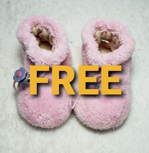 FREE Baby Shoe Slippers (0-6M) for Sale in Vancouver, WA