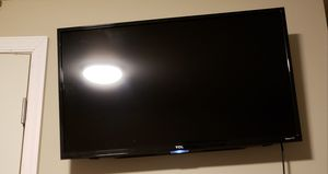 TCL Roku 32 Inch Television for Sale in Oxon Hill, MD