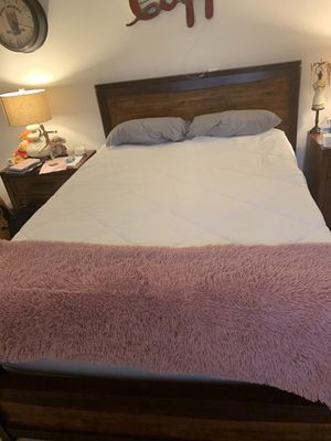 Queen bed frame, box springs, mattress, super soft topper, and washable mattress cover for Sale in Chiriaco Summit, CA