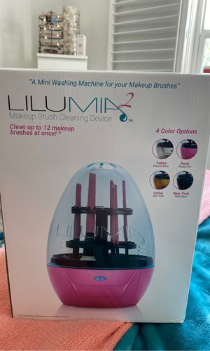 Lilumia 2 makeup brush cleaner Sephora for Sale in St. Petersburg, FL