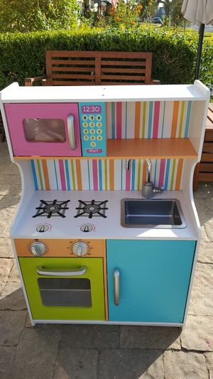 Kid Kraft small kitchen for Sale in Costa Mesa, CA