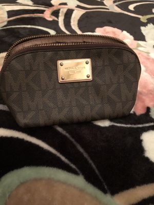 Micheal kors makeup case for Sale in Staten Island, NY