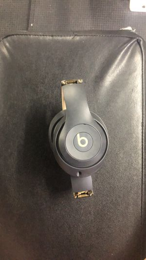 BEATS headphones grey and gold limited addition for Sale in NEW PRT RCHY, FL
