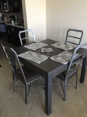 Living room furniture for Sale in Miramar, FL