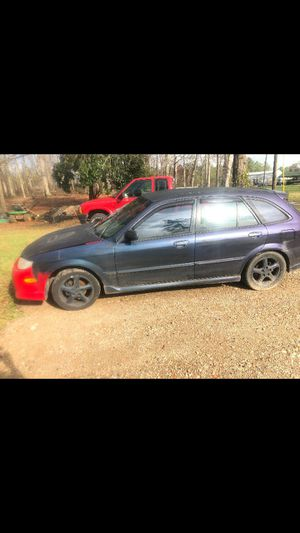 Clean 02 Mazda Protege 5 4 door hatchback for Sale in Anderson, SC