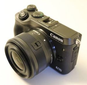 Canon EOS M6 Mirrorless Camera with 15-45mm lens for Sale in Miami, FL