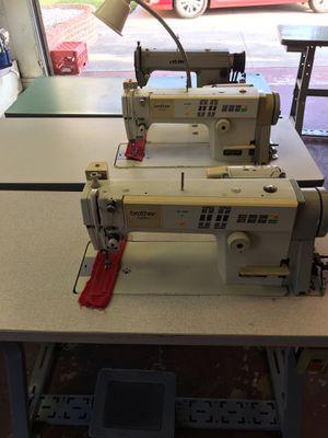 Sewing machines en buenas condiciones for Sale in Fountain Valley, CA