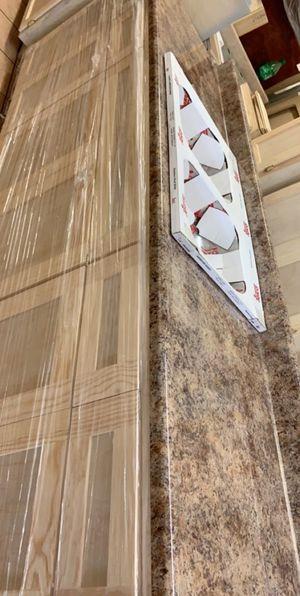 Base 8ft kitchen cabinet shaker style for Sale in Bellflower, CA