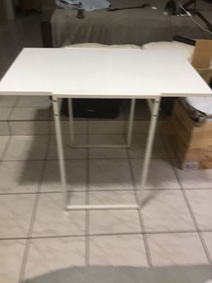 Little table. Great for small spaces, It can be enlarged. for Sale in Hialeah, FL