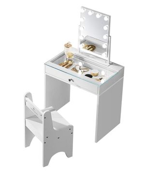 PRINCESS MAKEUP VANITY PICK UP TODAY for Sale in Chino, CA