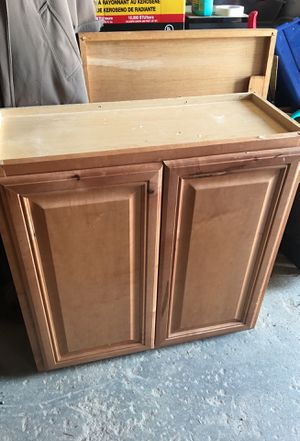 Kitchen wall cabinet for Sale in Raleigh, NC