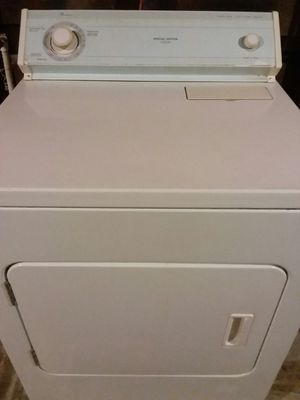 Whirlpool electric dryer work's very good good conditions trabaja muy bien for Sale in Stockton, CA
