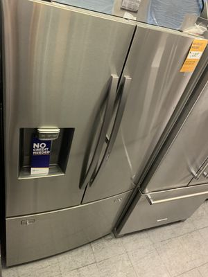 Samsung showcase French door refrigerator for Sale in Victorville, CA