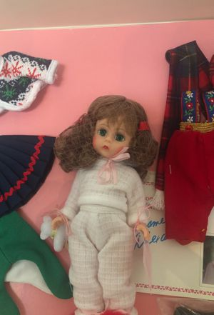 Madam Alexander Wendy Loves winter box set for Sale in Woodbridge, VA
