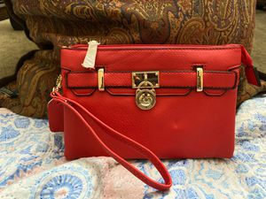 Mk wristlet and crossbody for Sale in Brooklyn, NY