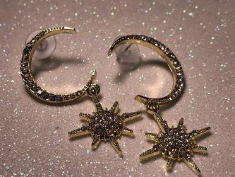 Unique Moon Star earrings, gold, diamond, 6 cm long. for Sale in Nashville,  TN