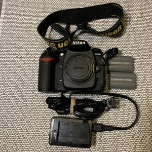 Nikon D200 DSLR Camera w/ batteries and charger for Sale in Boulder, CO