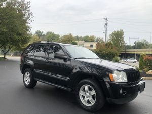 2007 JEEP GRAND CHEROKEE LAREDO LIMITED 4X4!!! ONLY 160K!!! CLEAN TITLE!! LEATHER!!! SUNROOF!! HEATED SEATS!!! GOOD TIRES!! DRIVES GREAT!! for Sale in Philadelphia, PA