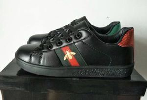 Gucci bee black shoes for Sale in Columbia, SC