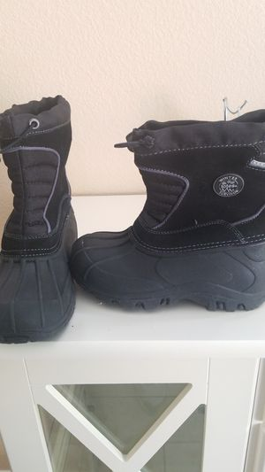 Kids snow boots. Size 12 for Sale in North Las Vegas, NV