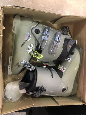 Salomon ski 🎿 boots new in box size 9 for Sale in Lake Worth, FL