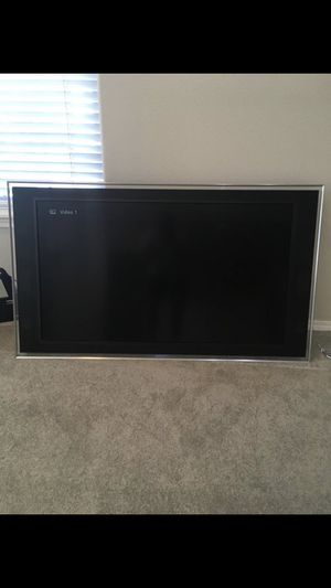 """Sony Bravia 52"""" for Sale in Bend, OR"""