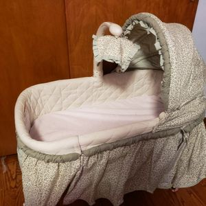 Baby Bassinet And Mobile Crib Toy for Sale in Chicago, IL