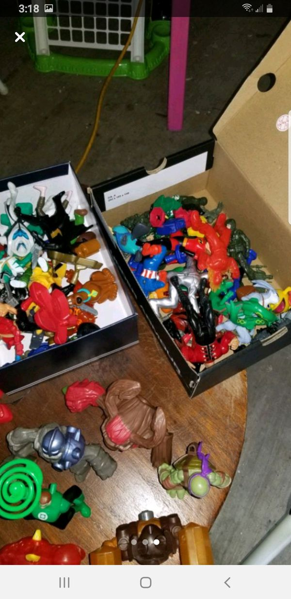 Action figure lot