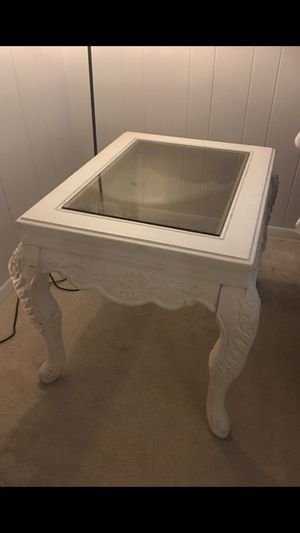 White solid wood side table with glass top for Sale in Arlington, VA