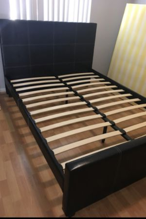 Full size bed frame and free delivery New in the box for Sale in Hialeah, FL