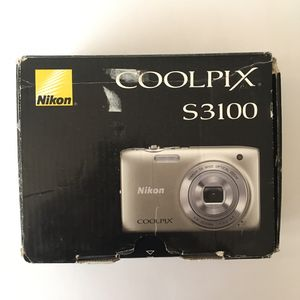 Nikon Coolpix S3100 Digital Camera for Sale in Los Angeles, CA
