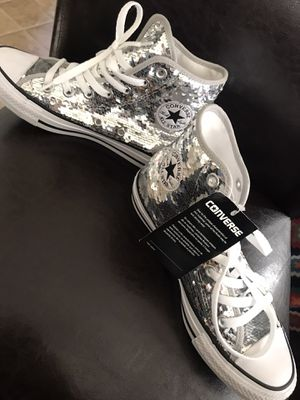 Converse silver size 6 brand new never use for Sale in Las Vegas, NV