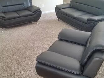 3 Piece Black Sofa Set Brand New With Assembly for Sale in Marietta,  GA