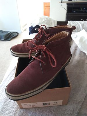 MEN'S SIZE (9) **NORDSTROM EXCLUSIVE** JOHN VARVATOS SUEDE BURGUNDY CHUKKA BOOT (CONDITION OF BOOT 9/10) for Sale in San Leandro, CA